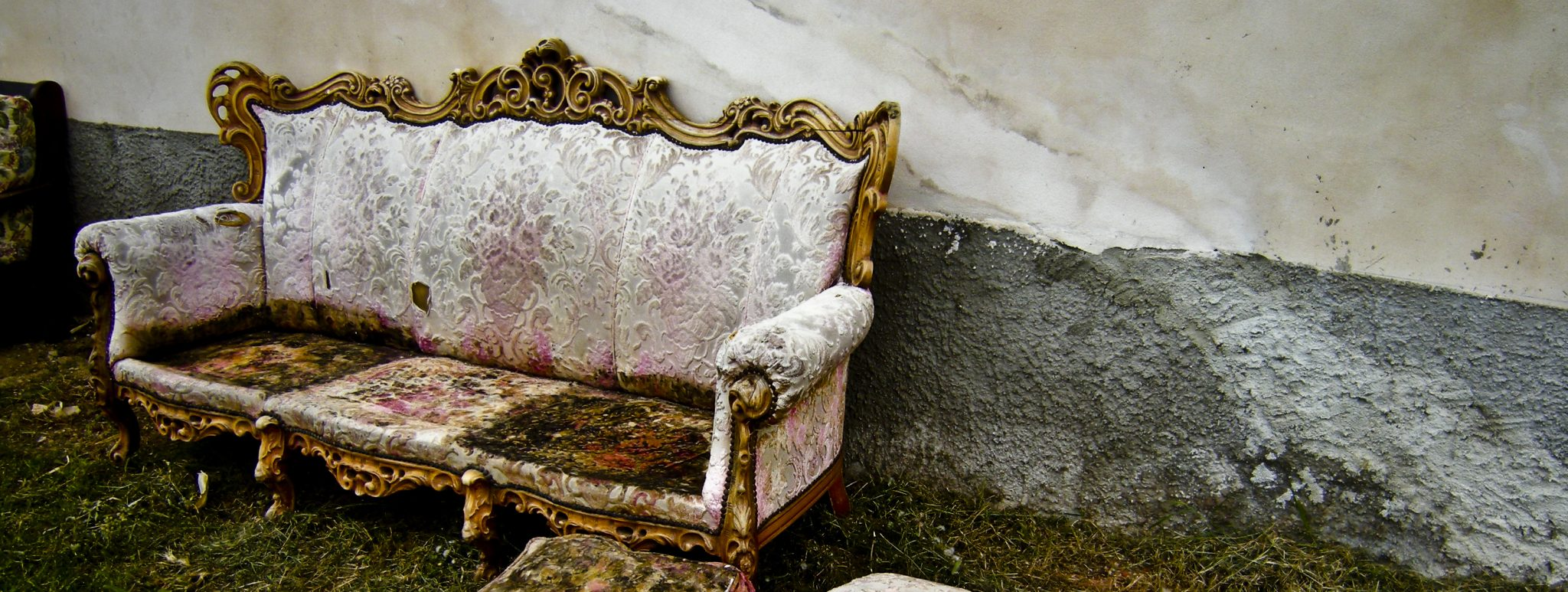 Get Rid Of Old Sofa Best Ways To Furniture