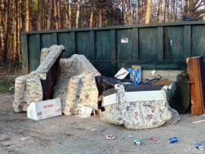 how to dispose furniture in Palm Beach county by JiffyJunk
